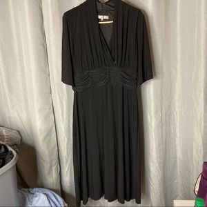 Plus Size Ruched Fit and Flare Midi Dress!